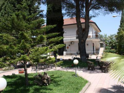 BB Athena Garden