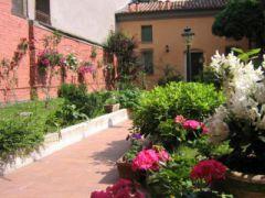 Il Giardino Fiorito - Bed And Breakfast