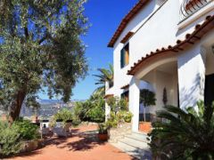 M Suites Sorrento - Deluxe Apartments And Villa
