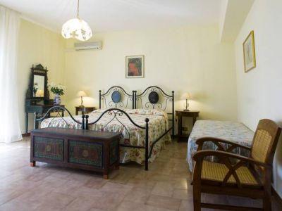 Bed & Breakfast Villa Flora